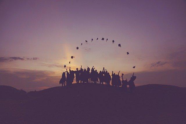 大学生がやるべきことは自分の可能性に時間を投資することです